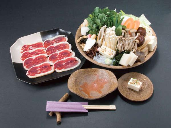 【鴨鍋+真鯛オリーブ焼き】寒い季節にうれしいあったか料理♪ワンちゃんと一緒にお泊り