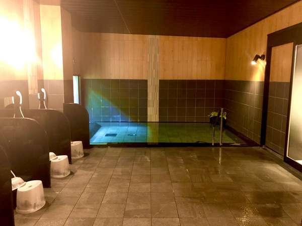 大浴場「旅人の湯」15:00-2:00、5:00-10:00