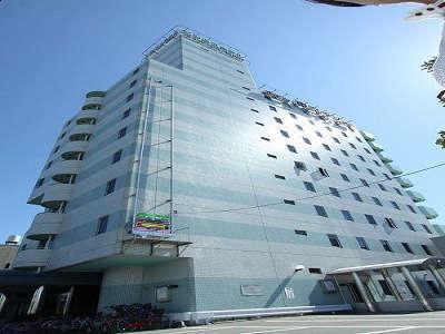 ビジネスホテル東宝イン高松の外観