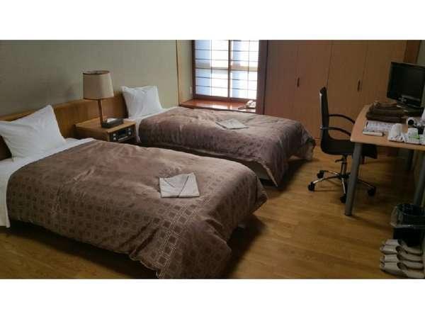 朝食付き♪ 2人で泊まれば大変お得!洋室ツインルーム(男性限定) WiFi完備