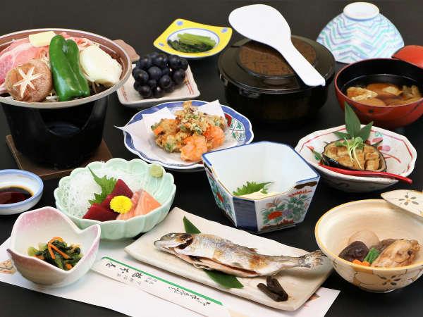 グレードアップ夕食一例/季節を感じて頂ける、山と川の幸を使用したお料理をご用意。