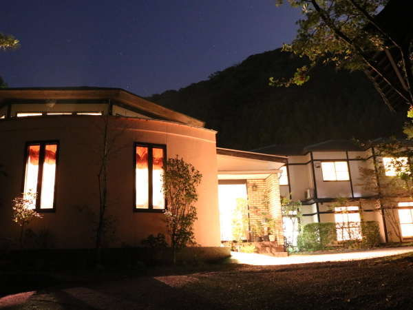 由布院温泉 金鱗湖散策に最適の宿 ダビデの館