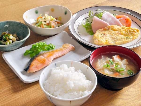 【ご朝食】栄養バランスばっちりの和食日替わりメニュー