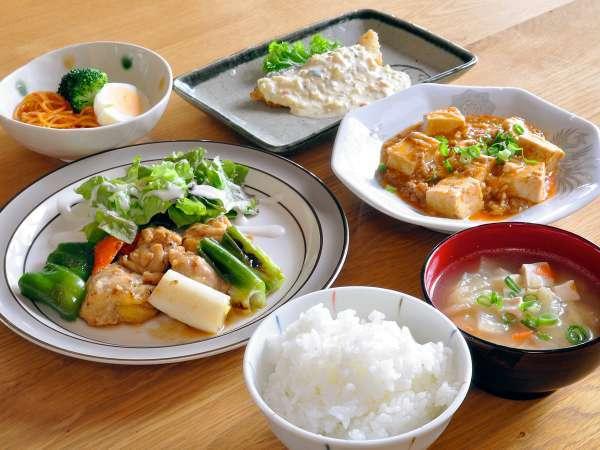 【ご夕食】地元の食材中心&栄養たっぷり♪和食中心の家庭料理