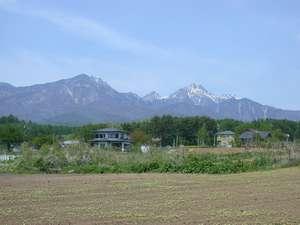 ペンション近くから望む八ヶ岳の山々