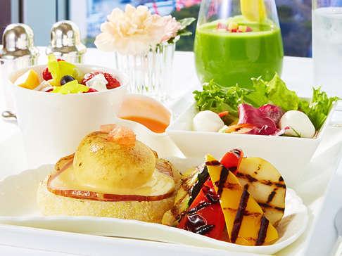 【天然温泉利用付き】お部屋でレディース朝食を堪能☆パノラミックレディースステイ(13時アウト)