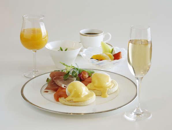 【ルームサービスで優雅な朝食】 Marriott Premium Breakfast Stay