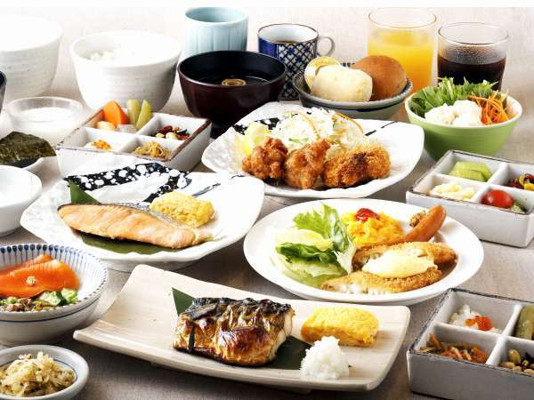 焼き魚がメインの和定食、コロッケや唐揚げがメインの定食など全4種類からお好きなものを選択可能