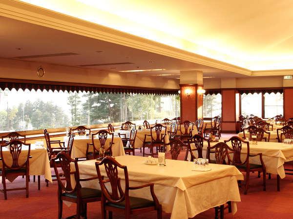 ・【レストラン】夕食・朝食はクラブハウスのレストランでご用意