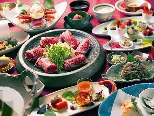 地元や道内産の食材を積極的に使い季節感を添えた「特別和洋折衷膳」