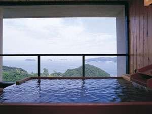 専用の露天風呂からは伊勢湾の美景を独り占めできます♪