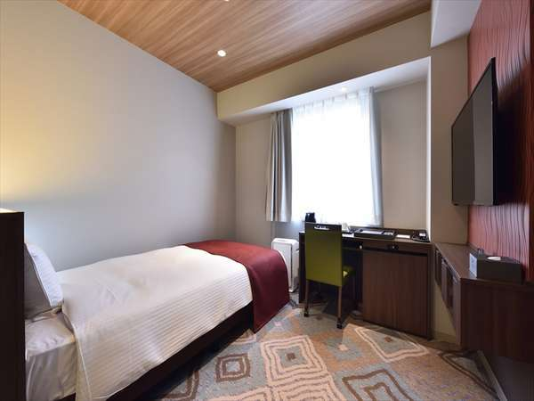 ユニバーサルシングルルーム(110cm幅ベッド1台/19㎡)
