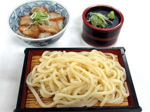 ■お食事処『名月庵』 ある日のご夕食一例「うどん定食」