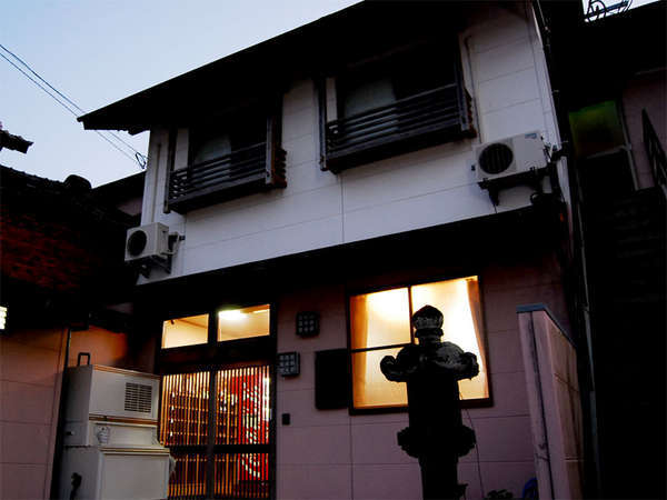 湯ノ本温泉 旅館千石荘の外観