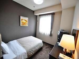 ☆リニューアルした落ち着いた雰囲気の客室。ゆったりしたシングルルーム
