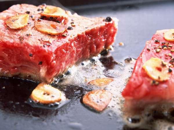 ★顧客満足度<人気NO.1>★幻の炭火にんにくステーキ肉厚じゅわっ!炭火焼ステーキ『断然』300g