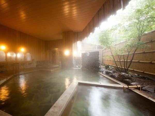 男性大浴場露天風呂100%源泉掛け流し ナトリウム塩化物泉