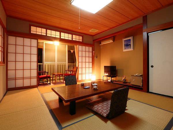 ◇客室◇和室10畳+縁側(バストイレ、洗面付)タイプは当館で最も人気のある客室です♪