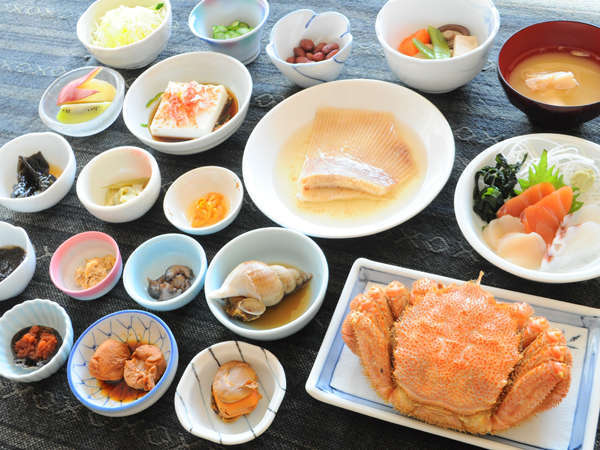 ≪毛ガニ1人1杯付≫知床の旬を贅沢に♪夕食グレードアッププラン(夕朝食付)