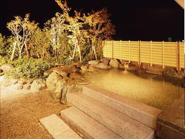 臨水亭露天風呂です