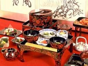【伝承三百年】飛騨の饗応料理◆宗和流本膳くずし◆に臨む