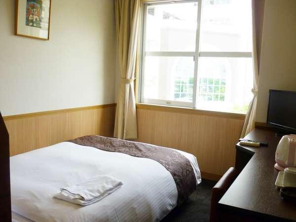 【ビジネス・出張歓迎プラン・朝食サービス★全館Wi−Fi完備無料】ベッドは、シングルワイドベッド♪