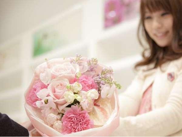 ≪露天風呂付き客室≫☆愛する人へ…「大きな花束」と大切な気持ちをプレゼント☆お部屋食で愉しむ特撰懐石