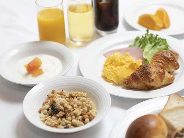【朝食バイキング付】ベーカリーショップの焼き立てパンが人気の40種類の和洋朝食バイキング★