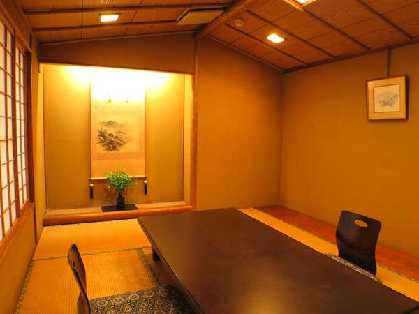 *【客室一例 和室8+8畳】一番広い客室タイプとなります。二間となり、三世代やグループ様にも便利です。