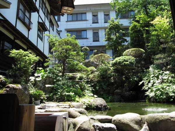 小野川温泉 名湯の宿 吾妻荘の外観