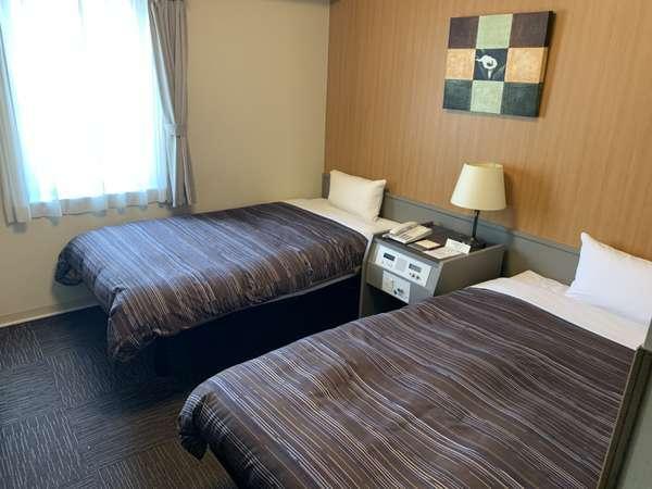 【ツインルーム】ベッド幅⇒120cm ■全室Wi-Fi接続可能 ■26型液晶TV完備 ■全室WOWOW視聴可能