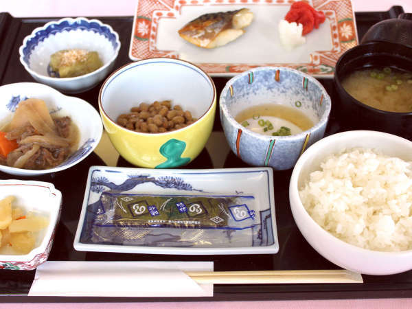 【朝食付】自慢の朝食を食べて、元気にお出かけ◎夕食・飲み物持ち込みOK!