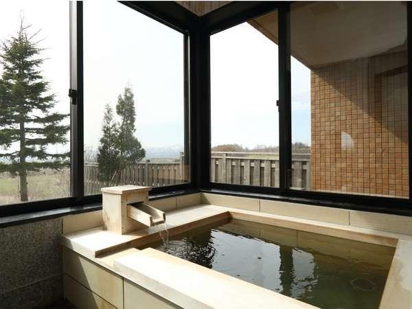 露天風呂付き和室で贅沢気分