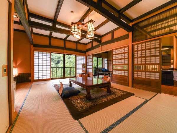 *【客室一例(2階しゃくなげ)】広めのタイプのお部屋。お部屋は一部屋ごとに異なる造りとなっております。
