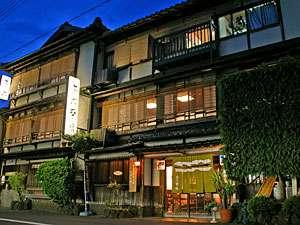 丹後・宮津の旬 海の幸が楽しめる 木造3階建ての宿 茶六本館