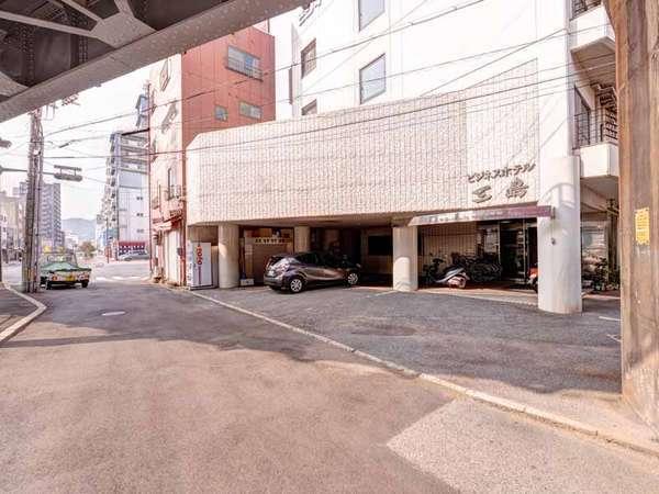 ビジネスホテル三島の外観