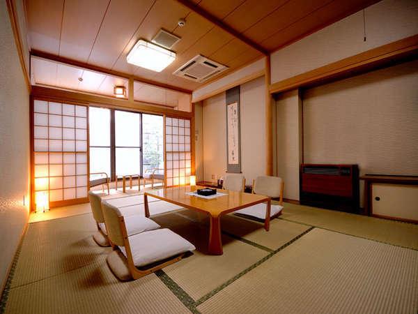 【2階】小さな庭園付和室12畳+広縁4畳【Wi-Fi/お部屋も温泉】