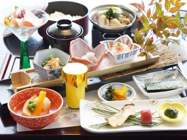【一泊朝食】観光満喫・遅めのご到着OK!温泉でゆったり&和朝食<食事処>