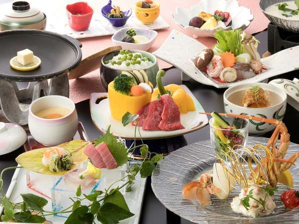 【基本1泊2食】迷ったらこれ!オーシャンビュー&山海の幸を味わう「咲会席」<食事処>