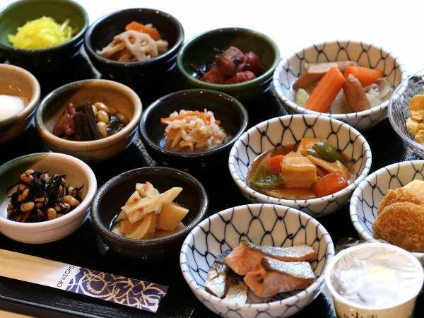 【スタンダード】■手作りおばんざいが決め手!■約30種類の和洋朝食バイキング付プラン♪