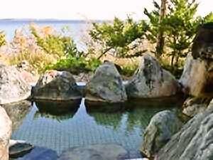 露天風呂から野付半島・国後島を一望