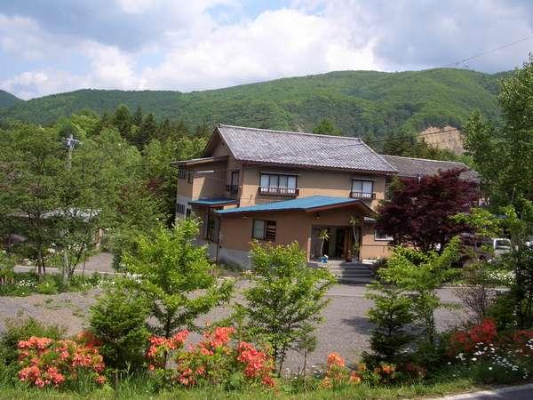 温泉民宿 湖藤荘の外観