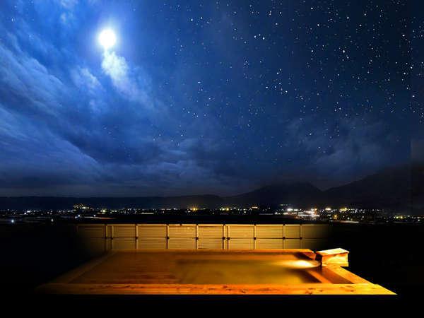 7階展望露天風呂から望む絶景。