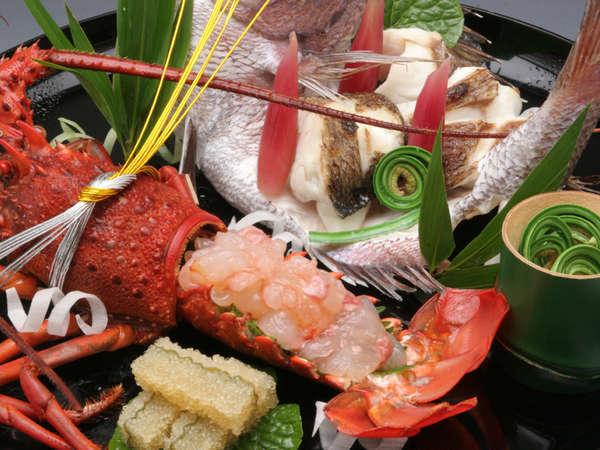 """【慶祝の宴】""""尾頭付き鯛""""と""""伊勢海老""""の「お祝い特別料理」でお祝いの宴を華やかに"""