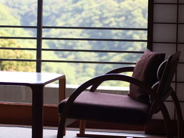 【7階以上の高層階・禁煙室確約】地上22m・奥湯河原の豊かな自然を望む癒しの客室〜お食事も絶景とともに