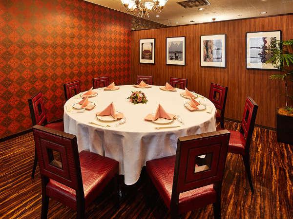 中国料理【桃李】の小個室「桂林」2~12名様用 ※個室料や空室状況は事前にお問い合わせください。