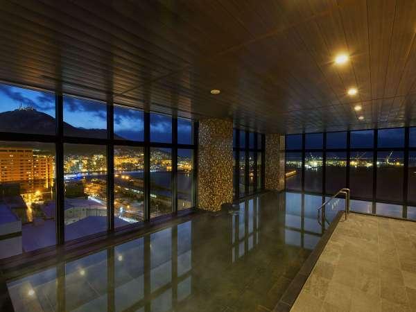【本館13階 汐見の湯】2018年12月20日新規オープンした天然温泉展望大浴場です。
