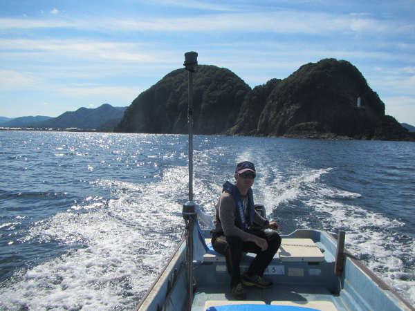 気分爽快!!潮風を浴びて日本海を突き進む!!海上タクシーでジオパーク散策プラン