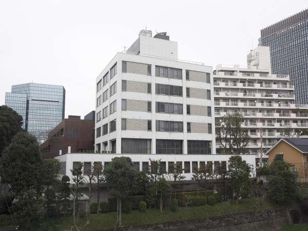 富山県赤坂会館の外観