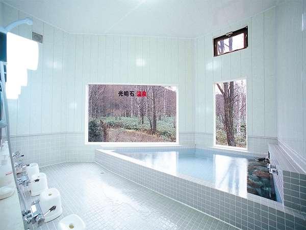 広々した浴室で旅の疲れを癒してください